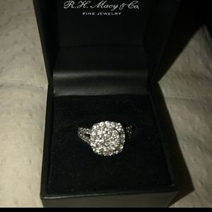 COMING SOON TO LISTING DIAMOND RING SEE DET